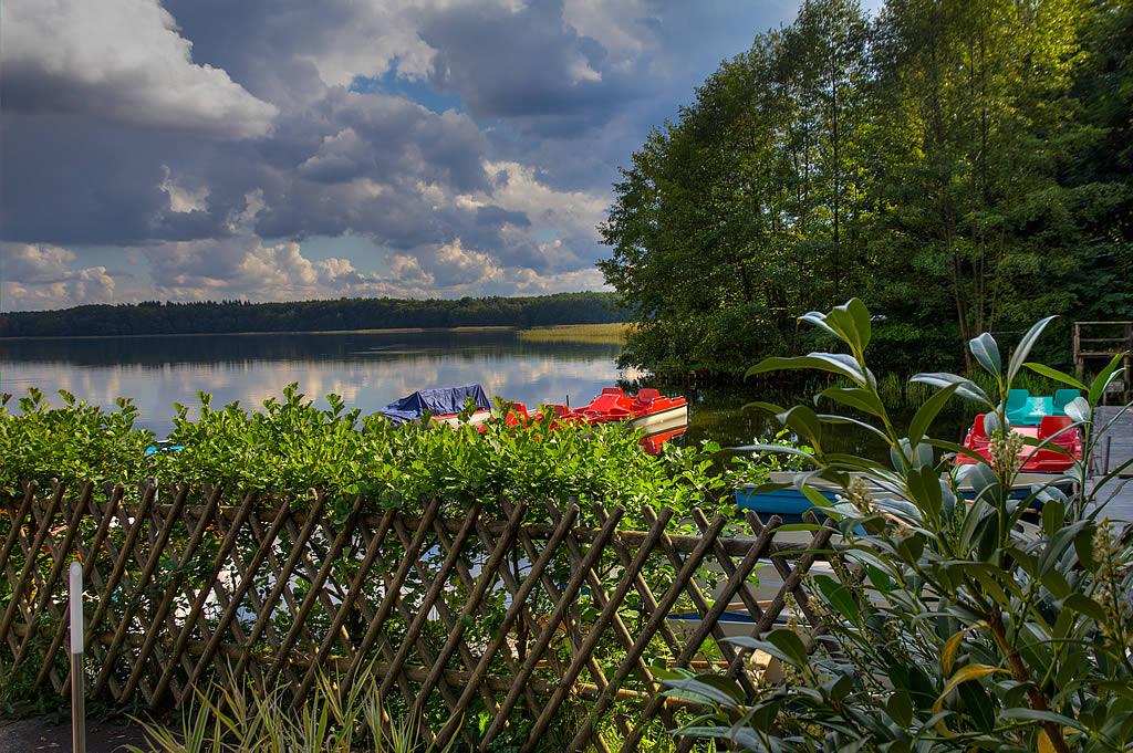 Ausblick vom Naturhafen Lübbesee auf das Wasser (Foto: templiner.de)
