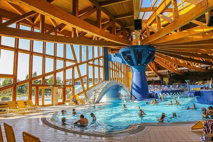 NaturThermeTemplin Badbereich (Foto: Beate Waetzel)